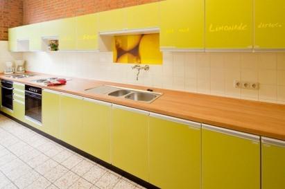 Gemeinsames Kochen in der Großraumküche des SommerHauses