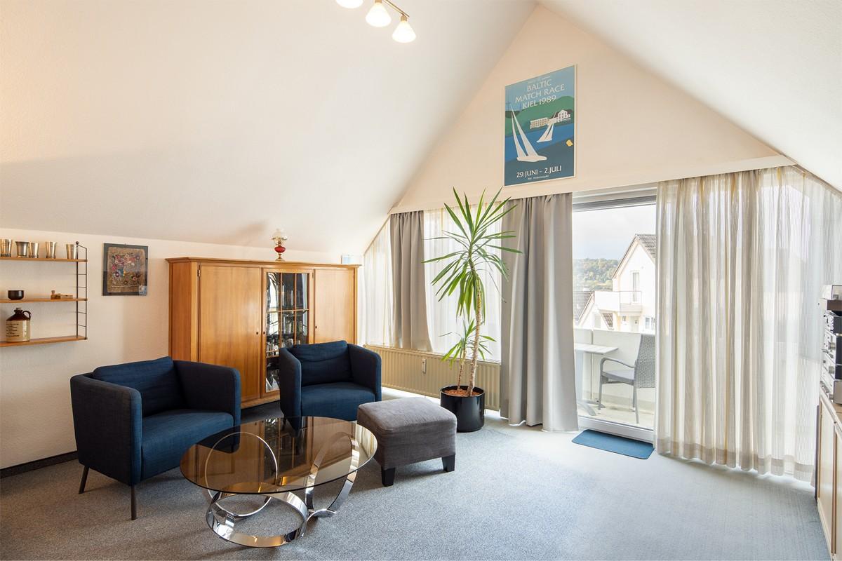 Das futuristische Wohnzimmer der Wohnung D8